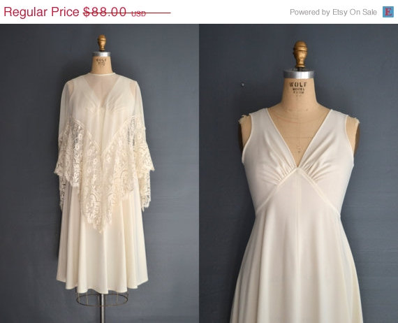 Wedding - WEEKEND SALE - 40% OFF 70s wedding dress / 1970s wedding dress / Malaika
