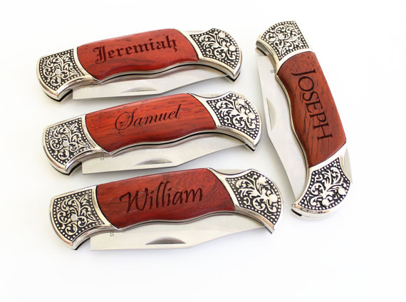 Hochzeit - Set of 6 Engraved Groomsmen gifts Engraved Pocket Knife Rosewood DecoGrip Pocket Knife Fathers Day Gift Christmas gift Groomsman Gift