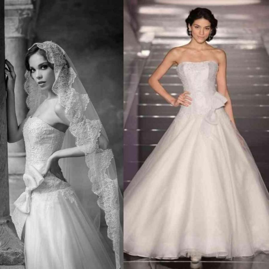 Mariage - Elegant 2015 Wedding Dresses Alessandra Rinaudo Bow Cheap Strapless Lace Applique A Line Organza Bridal Ball Gowns Dresses Chapel Train Online with $129.95/Piece on Hjklp88's Store