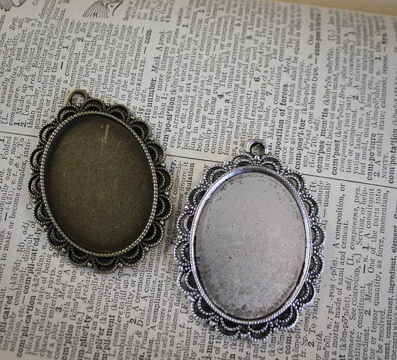 Mariage - 6 Lace Oval Pendant Blank base Large Tray Vintage Style Lace Edge - 30mm x 40mm Oval Cameo Setting  - great for Bouquet Charm