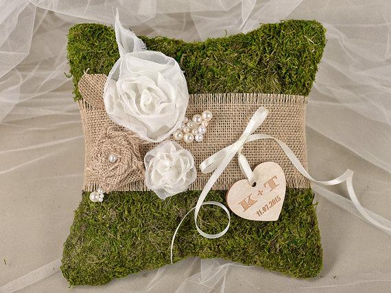زفاف - Moss Rustic Wedding Pillow, Burlap  Ring Bearer Pillow , Burlap Ring Pillow ,Moss Ring  Pillow, shabby chic Ring berarer