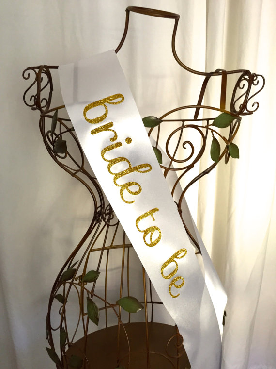 Mariage - Sweet & Simple Bride to Be Sash - Gold or Silver