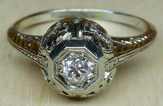 Mariage - Vintage Antique .25ct Old Mine Cut Diamond 18k White Gold Engagement Ring 1920's Art Deco Filigree