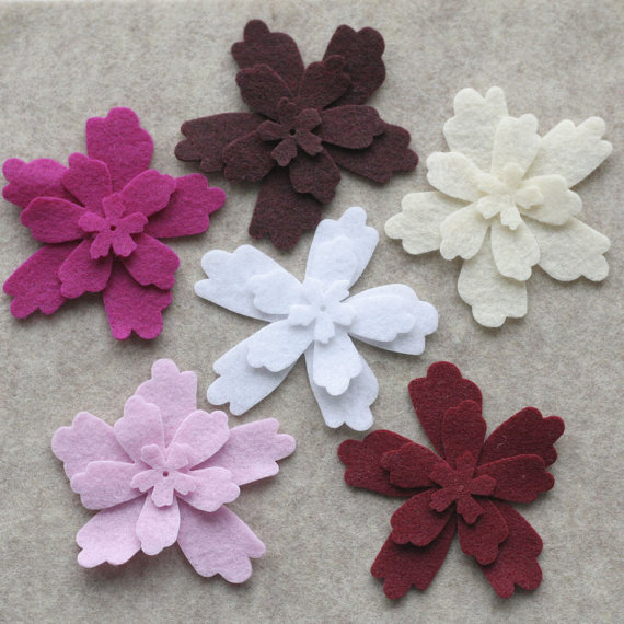 Mariage - Berries and Cream - Primrose - 36 Die Cut Felt Flowers