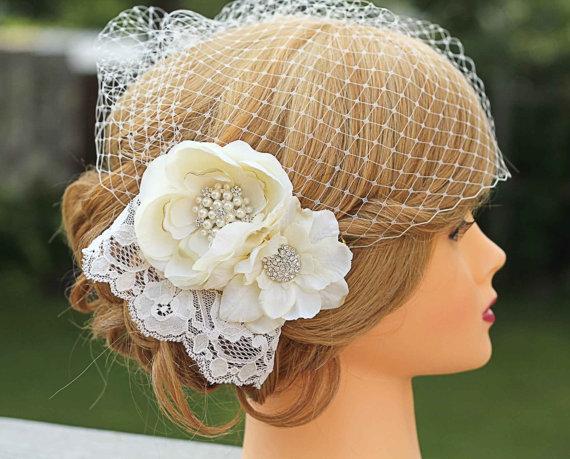 Mariage - Lace Wedding Fascinator-Birdcage Veil- Flowers and Lace- Fascinator Wedding Headpiece