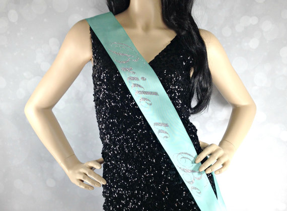 Mariage - Bride to Be Sash. Bachelorette Party Sash. Satin Sash. Bride to Be Sash. Bachelorette Sash. Bachelorette Party Accessory.