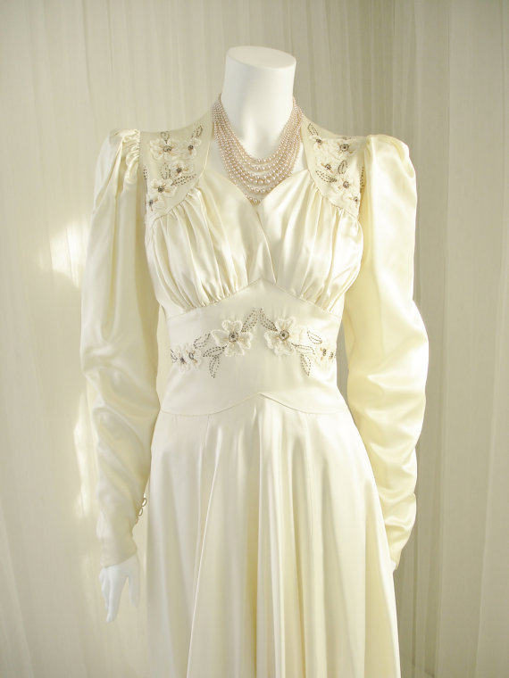 1940s High Fashion William Cahill Beaded Satin Bridal Gown Wedding Dress With 10 Ft Cathedral Train