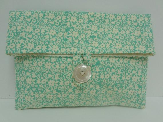 Hochzeit - Turquoise Wedding Clutch in Floral Print Tiffany Wedding Clutch  Bridesmaid Makeup Bag