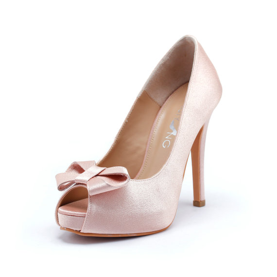 Mariage - Sweetheart Wedding Shoes in Blush Silk Satin, Valentine Day's Shoes, Nude Blush Bridal Shoes, Light Pink Wedding Heels
