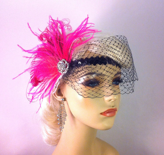 Mariage - Gatsby Wedding, Bridal Feather Headband, Hot Pink and White, Wedding Veil, Downton Abby, Feather Fascinator