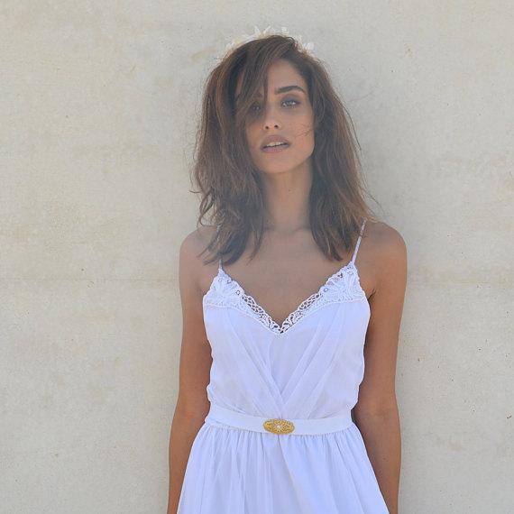 Mariage - bohemian wedding dress  V neck cleavage symmetrical folds and jewelry belt