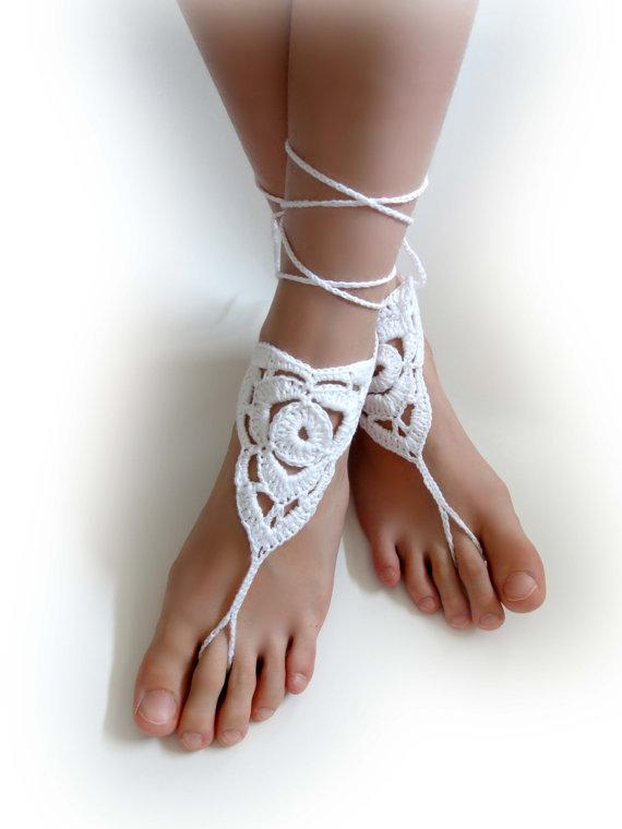 زفاف - Crochet Barefoot Sandals. White or 27 colors. Woman's Crochet Foot Jewelry. Long Ties. Bridal Accessory. Beach Wedding. Beachwear. Set of 2