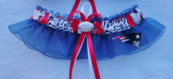 Hochzeit - New England Patriots Fabric Logo  Wedding Garter Keepsake Prom  Football Charm