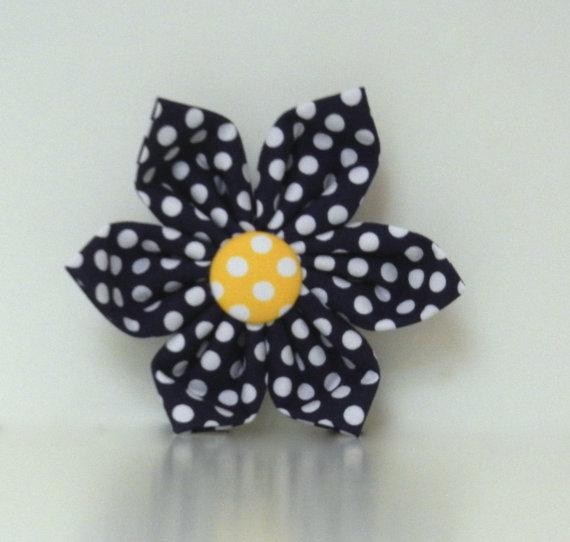 زفاف - Navy Polka Dot Dog Collar Flower Wedding Accessories Easter Collar Made to Order