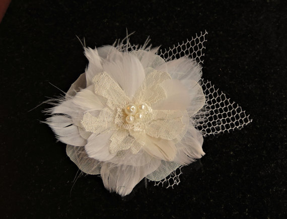 Mariage - Sale 25% off Feather Bridal Lace hairpiece veil hair clip bobby pin Ivory / off white shoe clip brooch corsage