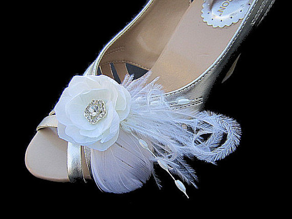 Mariage - Rosemary - Bridal Gardenia flower Set of 2 Shoe Clips with Rhinestone Ostrich Feathers Beads Spray