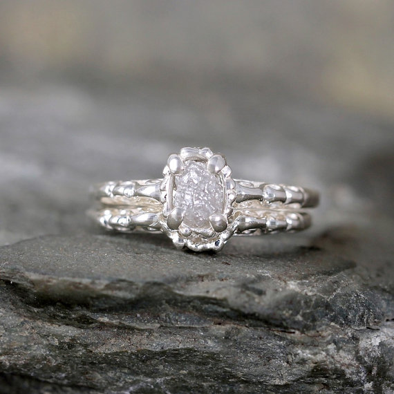 Mariage - Raw Diamond Wedding Set - Matching Engagement Ring & Wedding Band - Antique Filigree Style - Sterling Silver - Conflict Free Diamonds