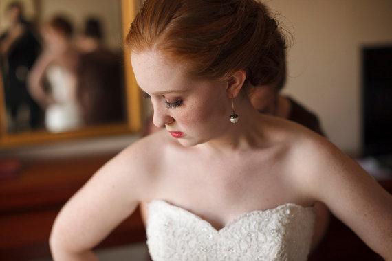 Mariage - Rustic Wedding Pearl Acorn Earrings Bridal Pearl Earrings Fall Wedding Cream Pearl Jewelry Drop Earrings - Princess Acorn