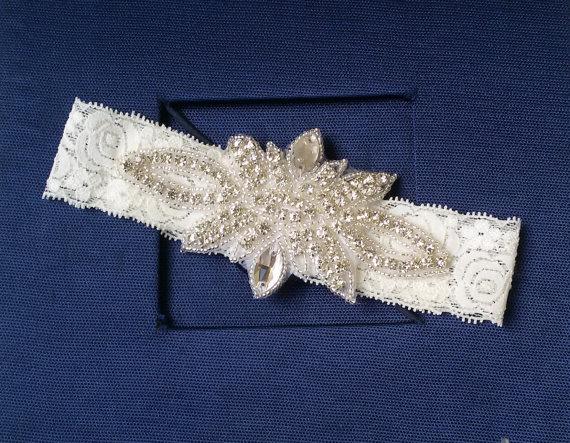 Mariage - Wedding Garter , Ivory Lace Garter, Bridal Leg Garter,Rustic Wedding Garter, Bridal Accessory, Rhinestone Crystal Bridal Garter