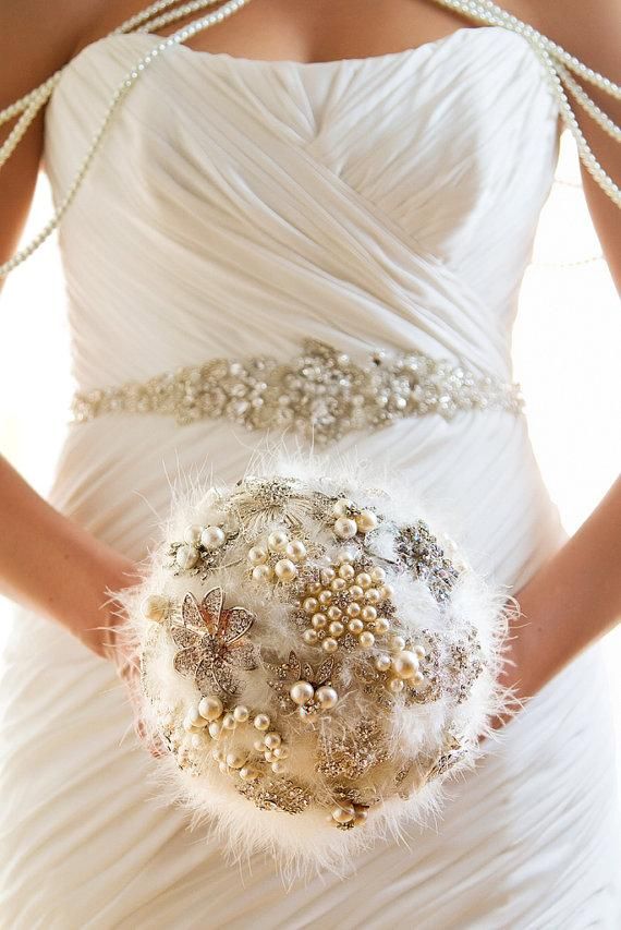 Mariage - Debbie- Unique feather and rhinestone jewelry bouquet (featured in Met Bride Magazine)