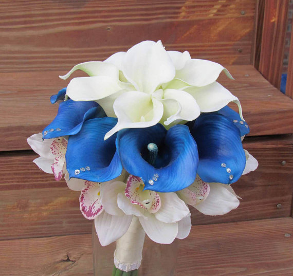 Hochzeit - Blue & Ivory Calla Lily Bridal Bouquet with Cymbidium Orchids, Silk Flower Bouquet for your Wedding