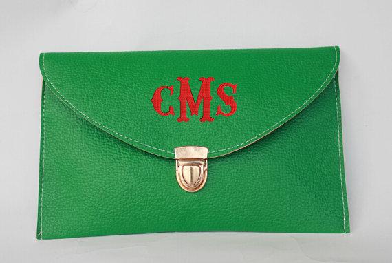 Свадьба - Monogrammed Clutch Envelope Purse Envelope Clutch ,bride gift, bridesmaid gifts,wedding gift,bridal shower, wedding.monogrammed purse