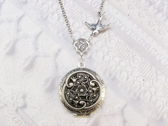 Свадьба - Silver Celtic Knot Locket Necklace - The ORIGINAL Silver CELTIC LOCKET  - Jewelry by BirdzNbeez -  Wedding Birthday Bridesmaids Gift