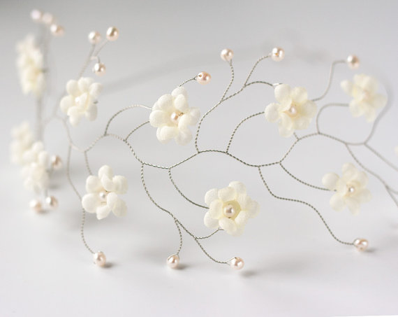 زفاف - Bridal headpiece, Hair accessories, Ivory headpiece, Flower headpiece, Crown wedding, Headpiece bride, Hair flowers headpiece, Floral halo.