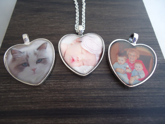 Mariage - Photo Necklace Heart - Wedding Bouquet Charm - Gift for Mom - Gift for Her - Photo Charm