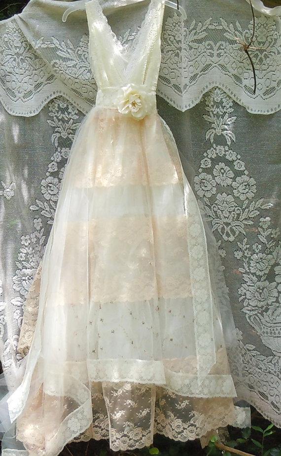 Tulle wedding dress ivory cream lace floral roses boho for Ivory vintage lace wedding dress