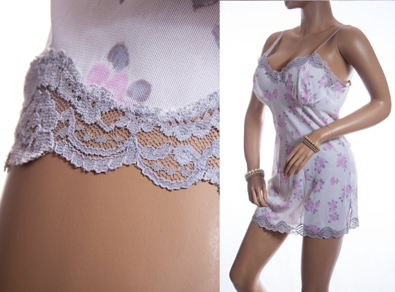 Свадьба - Lovely 1960's vintage sheer soft white, pink and grey floral design Perlon and delicate silver grey lace detail mini slip petticoat - 3316