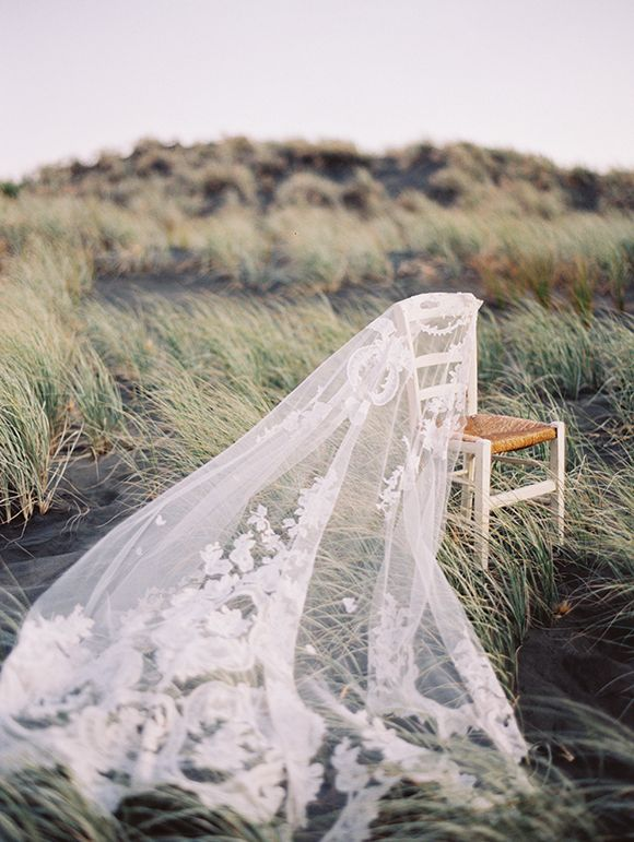 Mariage - Ivory Embroidery – Vintage Lace Wedding Inspiration