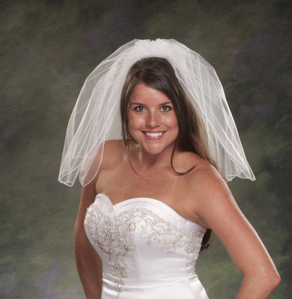 Свадьба - Pencil Edge Shoulder Length Bridal Veil 20 Inch Veil Short Bridal Veil 2 Teir Veil 2 Layer Bridal Veils White Veils Ivory Tulle Petite Veils