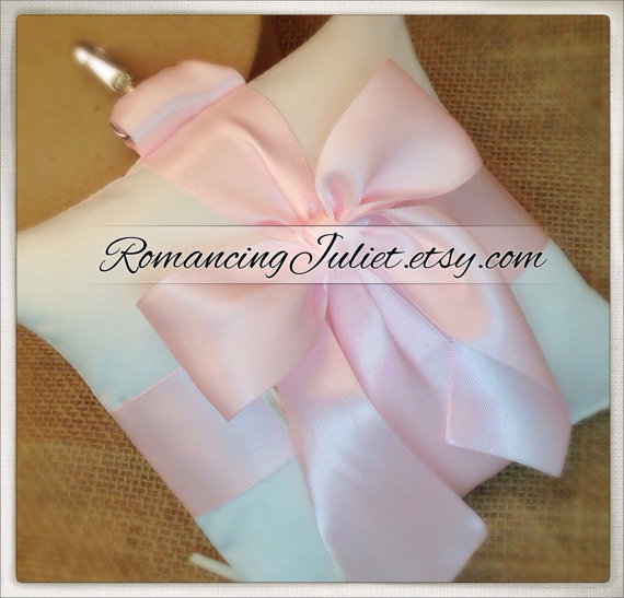زفاف - Pet Ring Bearer Pillow...Made in your custom wedding colors...shown in ivory/pale pink