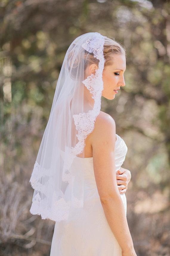 Свадьба - Ready to Wear, Sofia -  Mantilla Veil, Bridal Veil, Lace Edged Veil , Ready to Ship