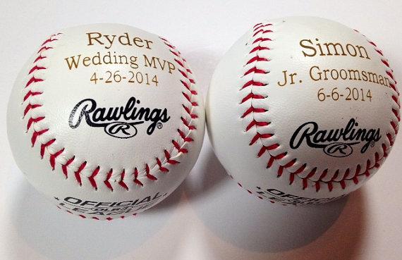 Hochzeit - Groomsmen Gift -2 Rawlings Baseballs - Laser Engraved - Personalized - Jr. Groomsmen Gift - Ring Bearer Gift - MLB Baseball