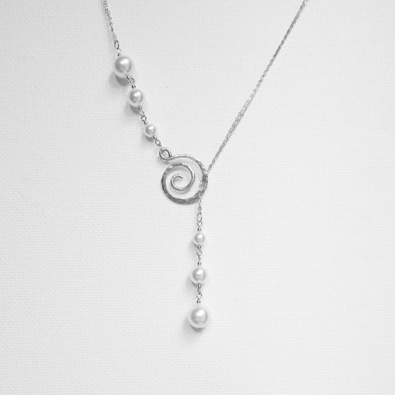 Mariage - Silver Pearl Necklace, Silver Lariat Necklace, Pearl Necklace, Pearl Drop Necklace, Hammered Swirl Necklace, Bridal Necklace, Wedding Lariat