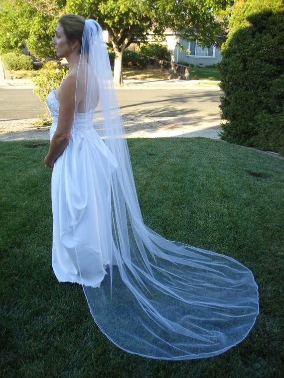 Mariage - One Tier Chapel Length Bridal Veil With Serged Pencil Edge, In Ivory or White - READY TO SHIP in 3-5 Days