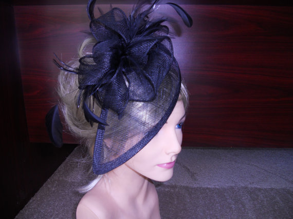 Mariage - Black fascinator with black feather accents Black sinamay fascinator.