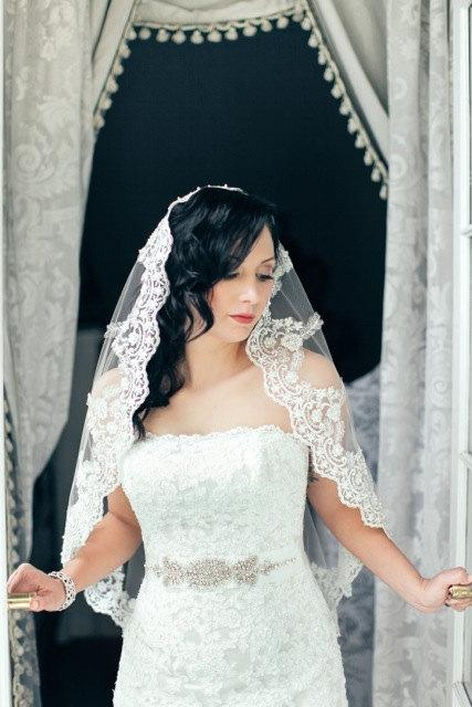 Hochzeit - Lace veil Mantilla, Spanish bridal veil, Wedding veil with beaded lace , Catholic lace veil in fingertip length, Silver or gold on Ivory