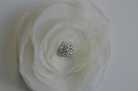 Mariage - Chiffon Ranunculus- Ivory chiffon  fabric flower with micro pave brooch