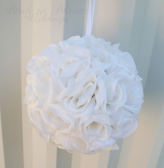 Mariage - Pomander white rose flower girl kissing ball bridesmaid bouquet wedding decoration