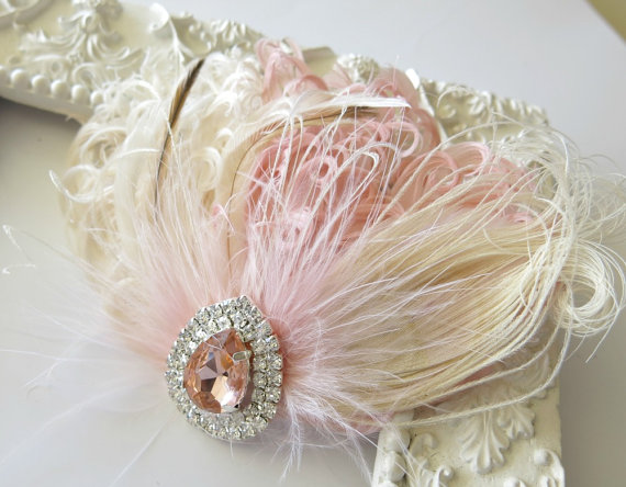 Свадьба - Wedding Feather Hair Accessories, Feather Fascinator, Bridal, Hair Accessory, 1920s, Peacock, Peach, Ivory, Apricot, Hair Clip