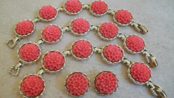 Mariage - Coral Color Flower Necklace, Emmons Bracelet, Emmons Necklace, Clip Earrings, Vintage Bracelet, Mid Centuy Jewelry, Bridal Jewelry