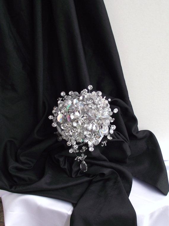 Mariage - The sparkler: rhinestone bouquet, brooch alternative wedding bouquet, florist made, bride bouquet, bling bouquet, jewelry bouquet, mirror