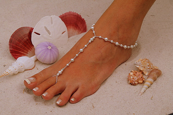 Hochzeit - Barefoot Sandal - Simply Elegant  White Pearls and Silver Beads. Wedding shoes, Bridal Shoes, Beach Wedding Barefoot Sandals, Pearl Sandals
