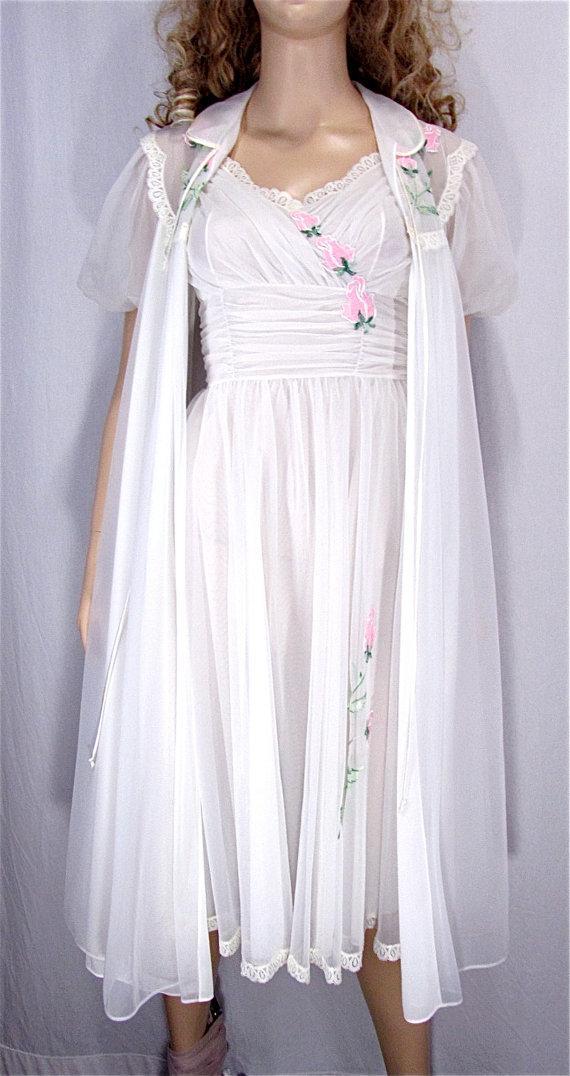 Wedding - Vintage Peignoir Set XSMALL 32 Bridal Lingerie Honeymoon Lingerie White Chiffon Nylon Nightgown Robe Set Pin Up Lingerie Rockabilly XS Roses