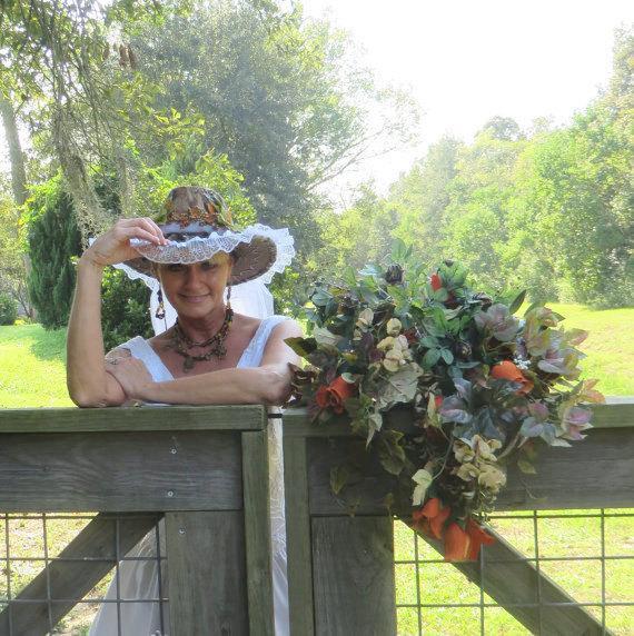 Mariage - Mossy Oak Camo - Cowboy Hat  Veil - Cowgirl Hat - Wedding Veil - Bridal Veil - Rustic Wedding - Country Wedding - Shabby Chic Wedding