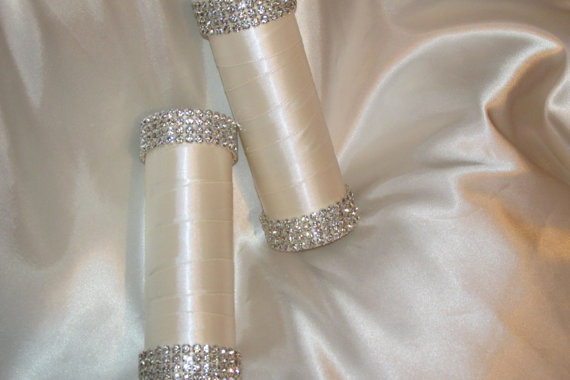 How To Use Bridal Bouquet Holder : Rhinestone bridal bouquet holder cuff