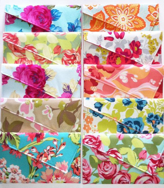 زفاف - Bridesmaid Clutch Wedding Clutch Envelope Clutch - You Choose Flower Floral Bouquet Set of 5